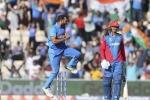 VIDEO में देखें भारत की जीत और मोहम्मद शमी की हैट्रिक का वो शानदार पल
