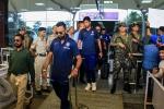 पहले टी-20 के लिए धर्मशाला पहुंची टीम इंडिया, देखें पारंपरिक स्वागत की तस्वीरें
