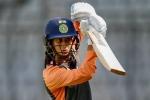 छक्के मारने में साइज बना बाधा तो इस तरकीब को आजमा रही हैं ये बल्लेबाज