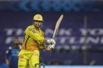 IPL 2020: 'ये मेरी समझ के परे है', नंबर 7 पर बैटिंग करने के धोनी के फैसले को गंभीर ने लताड़ा