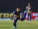 IPL 2020: 'अपनी जरूरतें भी पूरी नहीं कर पाता था'- पैसों की तंगी ने वरुण चक्रवर्ती को बनाया क्रिकेटर
