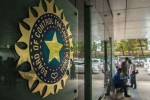 कोरोना की मार के बीच BCCI ने घरेलू क्रिकेटर्स को दी बड़ी राहत, खेले बिना मिलेगी पूरी सैलरी