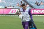 टीम को पानी पिलाने के लिए मजबूर हुए ऑस्ट्रेलियाई कप्तान टिम पेन, वायरल हुई फोटो