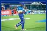 IPL 2021 के पहले मैच के दौरान रोहित शर्मा ने अपने जूते पर क्या लिखा?