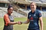 इंग्लैंड की कप्तान हीथर नाइट ने की महिला क्रिकेट के लिए भी 5 दिन के टेस्ट मैच की मांग