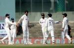 100 टेस्ट खेलने के बाद लोग ईशांत को तीसरा बॉलर समझते हैं, वेंकटेश प्रसाद ने जताई हैरानी