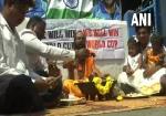 IND vs PAK: टीम इंडिया के लिए फैंस कर रहे हैं हवन, सभी खिलाड़ियों के लिए मांगा आशीर्वाद