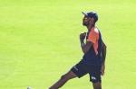 IND vs PAK में हार्दिक पांड्या के कंधे में लगी चोट, पहले बताया था कब करेंगे गेंदबाजी