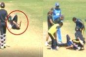 VIDEO: LIVE मैच के दाैरान अशोक डिंडा के सिर पर लगी चोट, ले जाना पड़ा अस्पताल
