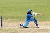 अंतरराष्ट्रीय क्रिकेट में 10,000 रन बनाने वाली पहली भारतीय क्रिकेटर बनीं मिताली राज
