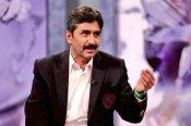 जावेद मियांदाद ने पाकिस्तान क्रिकेट बोर्ड को लताड़ा, कहा- खतरे में डाल रहे लोगों को जिंदगी