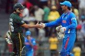 धोनी के संन्यास पर बोले कामरान अकमल, बोले- काश पाकिस्तान के पास भी होते कप्तान
