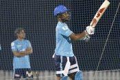 IPL 2020: दिल्ली के पास है वो खिलाड़ी जिसने 2 बार लगाये हैं 6 गेंद में 6 छक्के, ठोंका है दोहरा शतक