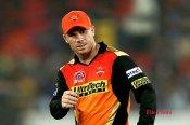 बड़ी खबर: 5 हार के बाद सनराइजर्स हैदराबाद ने डेविड वॉर्नर से छीनी कप्तानी, जानें कौन बना नया कप्तान