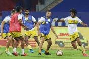 ISL 7 : प्लेऑफ को लिए हैदराबाद के लिए करो या मरो का मैच, गोवा को चाहिए केवल ड्रा
