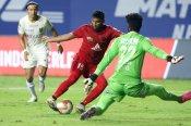 ISL-7 : केरला ब्लास्टर्स को 2-0 से हराकर नॉर्थईस्ट युनाइटेड दूसरी बार प्लेऑफ में पहुंचा