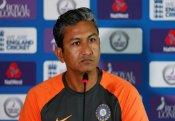 पूर्व कोच संजय बांगर का खुलासा, बताया- टी20 विश्व कप में किस भारतीय गेंदबाज को मिलनी चाहिये पक्की जगह