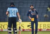 भारतीय टीम मैनेजमेंट पर वीरेंद्र सहवाग ने उठाया सवाल- टीम चयन में हो रहा है भेदभाव