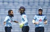तीनों फॉर्मेट में हारे, फिर क्यों भारत दौरे से पूरे गर्व और सम्मान के साथ लौटे इंग्लैंड के कोच