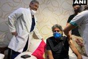 कपिल देव ने लगवाई कोरोना वैक्सीन की पहली डोज, फोटो शेयर कर दिया खास मैसेज