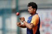 खतरे में पड़ा कुलदीप का वनडे करियर, 3 गेंदबाज पड़ रहे हैं भारी