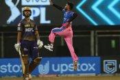 RR vs KKR: वानखेड़े में चला क्रिस मॉरिस की गेंदबाजी का जादू, कोलकाता को 133 रनों पर रोका