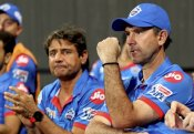 IPL पर छाया कोरोना का साया, रिकी पोंटिग ने भी माना हालात मुश्किल, खिलाड़ी मुश्किल समय से गुजर रहे