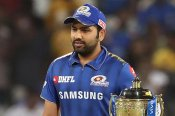 IPL 2021: क्या अगले मैच में खेल पायेंगे रोहित शर्मा, चोट को लेकर हिटमैन ने दी बड़ी अपडेट