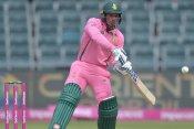 SA vs PAK: स्टंप पर जाकर लगी शादाब खान की गेंद, फिर भी नहीं मिला डिकॉक का विकेट, जाने क्यों