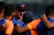लगातार पांचवी बार टीम इंडिया बनी टेस्ट में नंबर-1, रवि शास्त्री ने ICC पर कसा तंज
