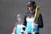 WTC फाइनल के लिये पिच पर कचरा बिखेर के बल्लेबाजी कर रहे कीवी बल्लेबाज, जानें क्या है कारण
