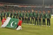 VIDEO: टी20 मैच में बीच में चलते-चलते रुका पाकिस्तान का राष्ट्रगान, फिर फैंस ने किया ये काम