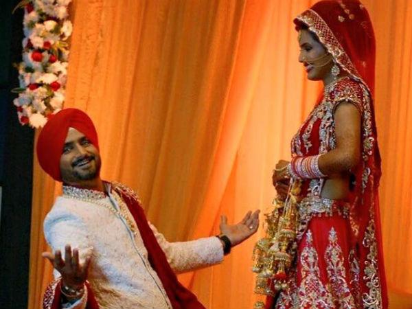 8 साल बाद शादी के बंधन में बंधे हरभजन-गीता
