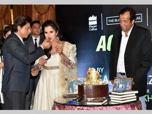 Shahrukh Khan Launches Sania Mirza Autobiography Rani Of Racquet