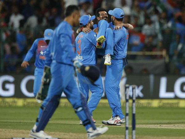बेंगलुरू टी20 के हीरो चहल के साथ कोहली-धोनी ने क्यों किया ये मजाक?