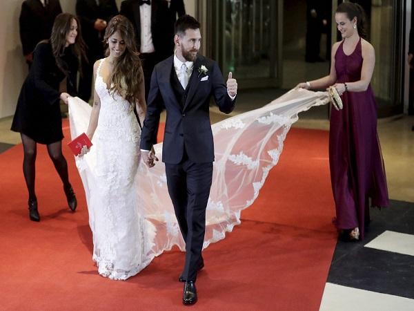 Video: शादी में पत्नी अंटोनेला के साथ मेसी का सुपर डांस