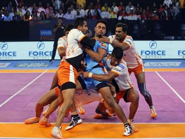 Pro Kabaddi 2017 Puneri Paltan Beats Bengal Warriors By 34 17