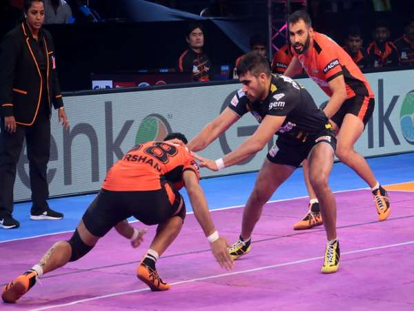 Pro Kabaddi 2017 Telugu Titans Beat You Mumba By 37 32