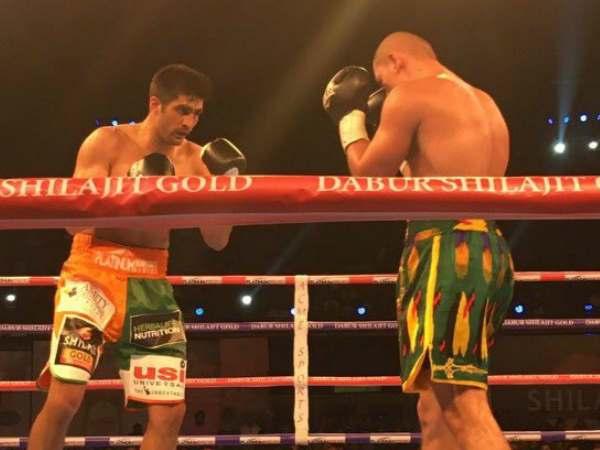 Boxer Vijender Singh Beats Zulfikar Mamtali