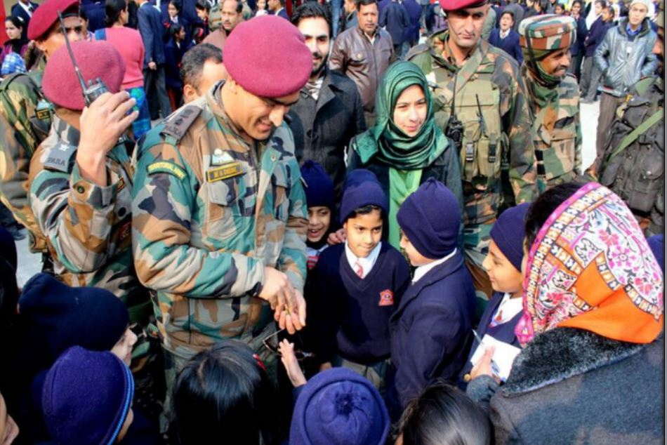 Former Indian Skipper Ms Dhoni Visit Army Public School Srinagar
