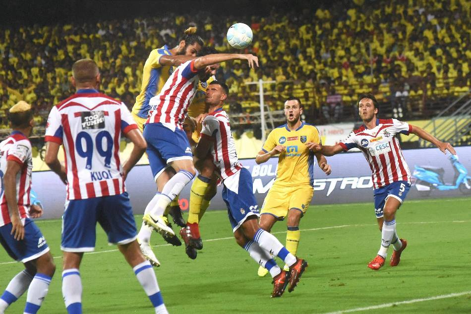 Kerala Blasters Drew Opening Game The Indian Super League 2017 18 Against Defending Champions Atk