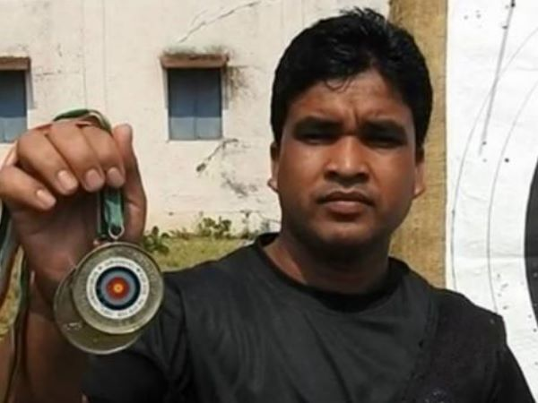 Chhattisgarh Government Give Peon Job To National Medal Winner Archer Santram Bega