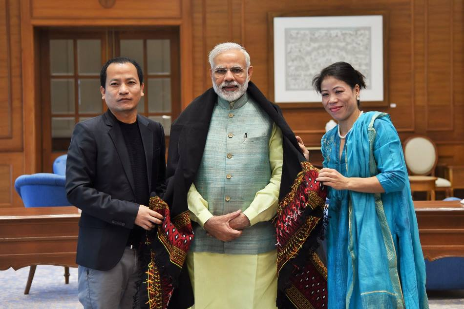 Pm Modi Tweeted Pictur With Noted Boxer Rajya Sabha Mp Mary Kom