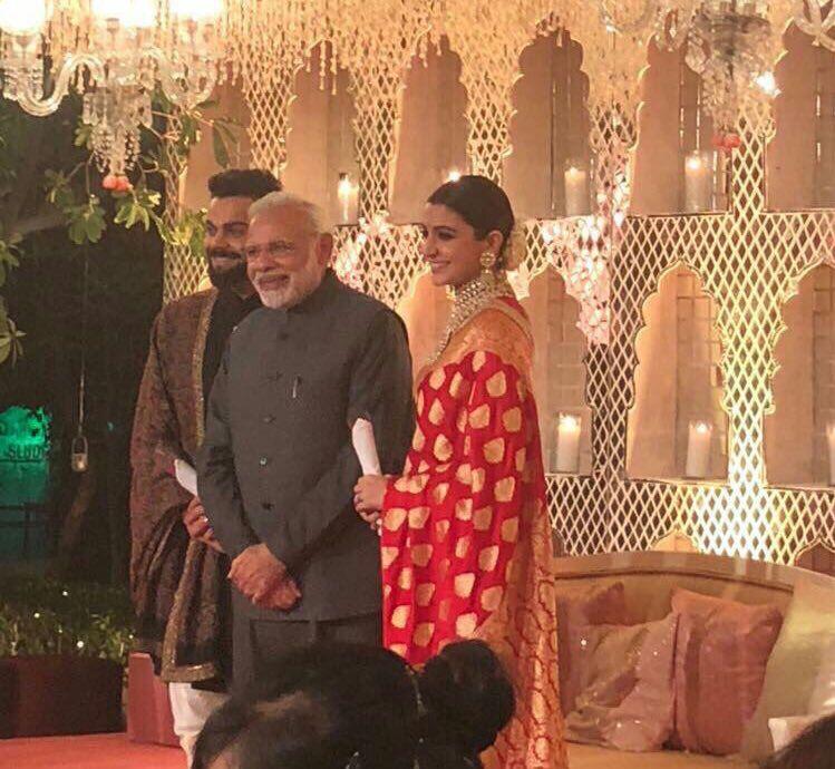 Virat Kohli Anushka Sharma S Reception Attended Bigwigs Delhi See Inside Video