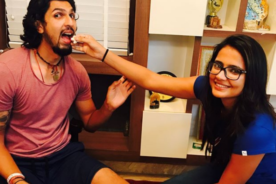 Ind Vs Sa Ishant Sharma Wife Pratima Singh Gave It Back A Fan Who Tried Troll Him