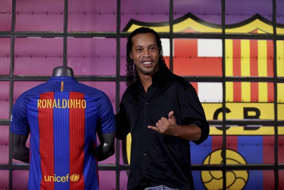 Ronaldinho Retires Brazil Barca Great Plans 2018 Farewell