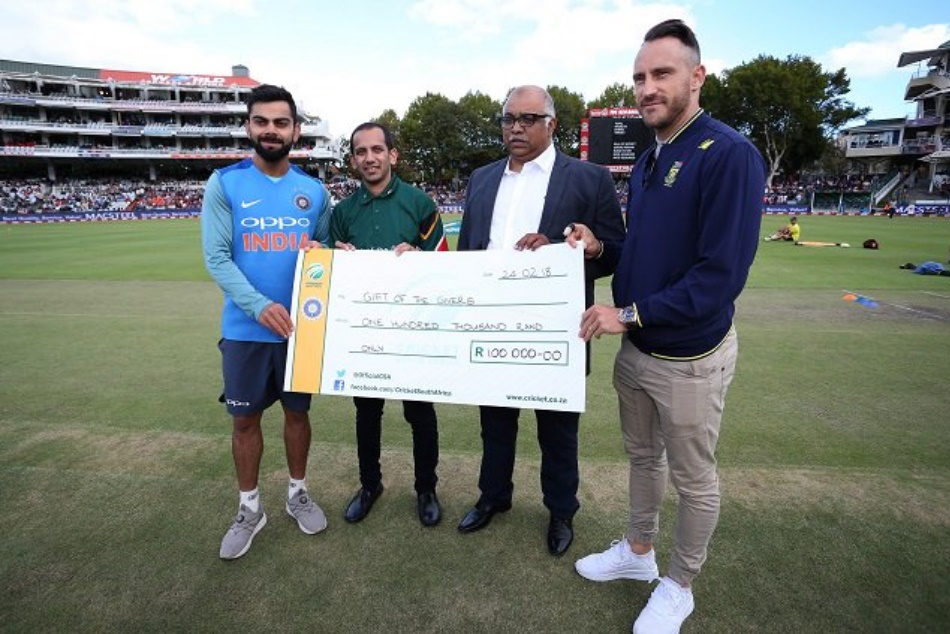 South africa and Indian teams make donation to Save Water in Cape Town Water Crisis