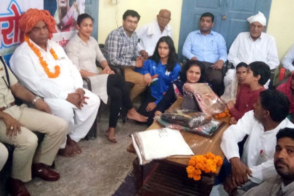 Gold Medalist Manu Bhaker Shamed In Haryana She Had To Sit On Ground
