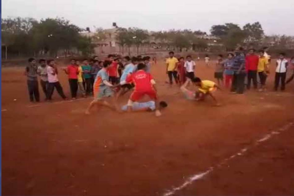 Maharashtra 13 Year Old Boy Dies While Playing Kabaddi