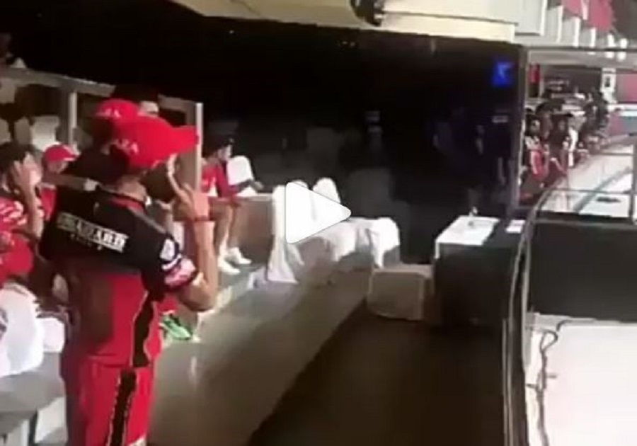 Ipl 2018 Virat Anushka Talking Over Phone After Match Vs Punjab